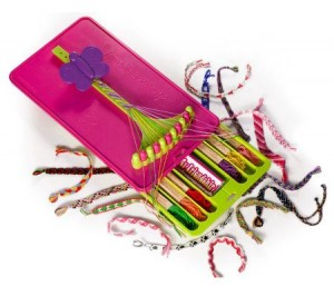What's in the friendship bracelet maker kit